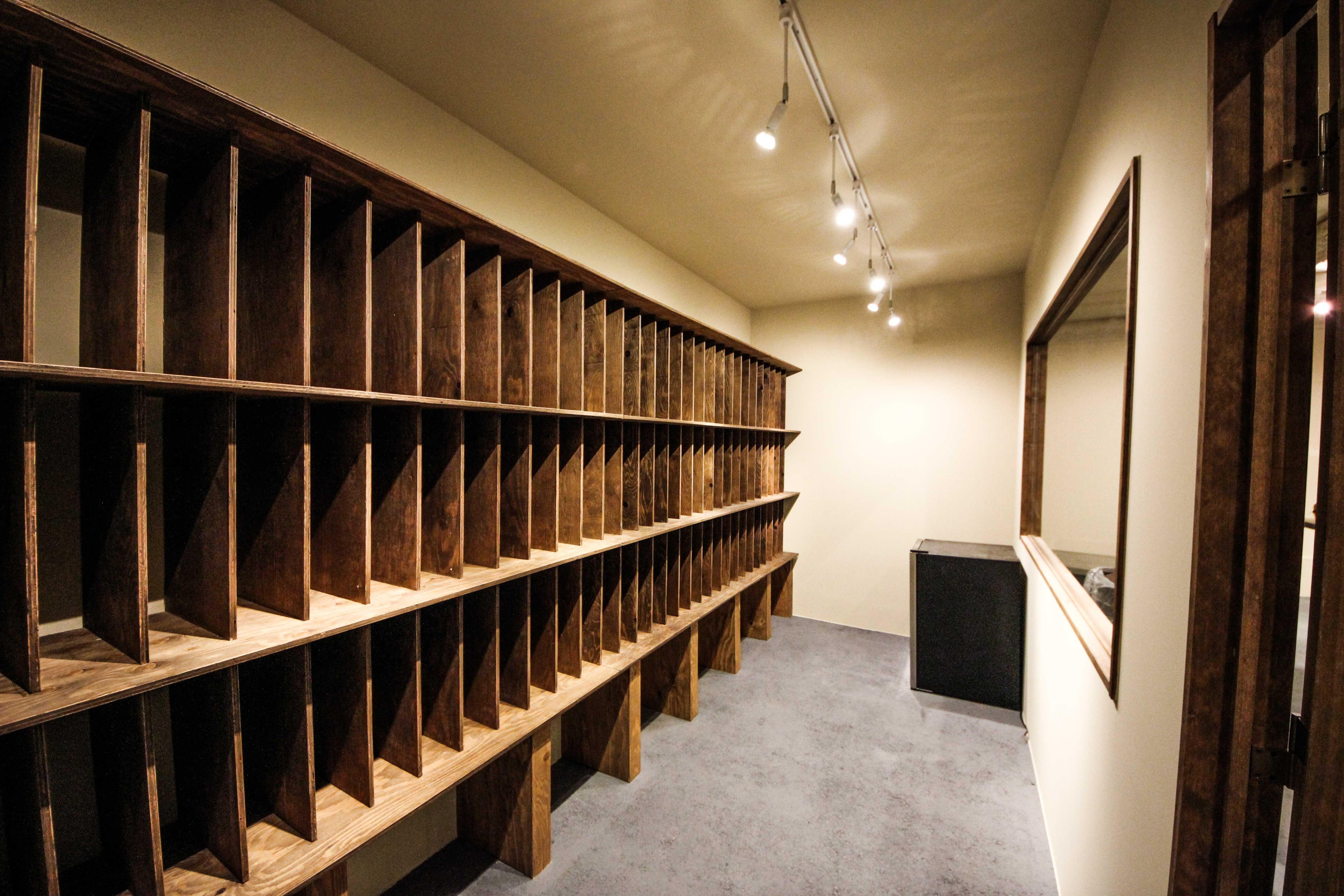 ワインバー店舗デザイン