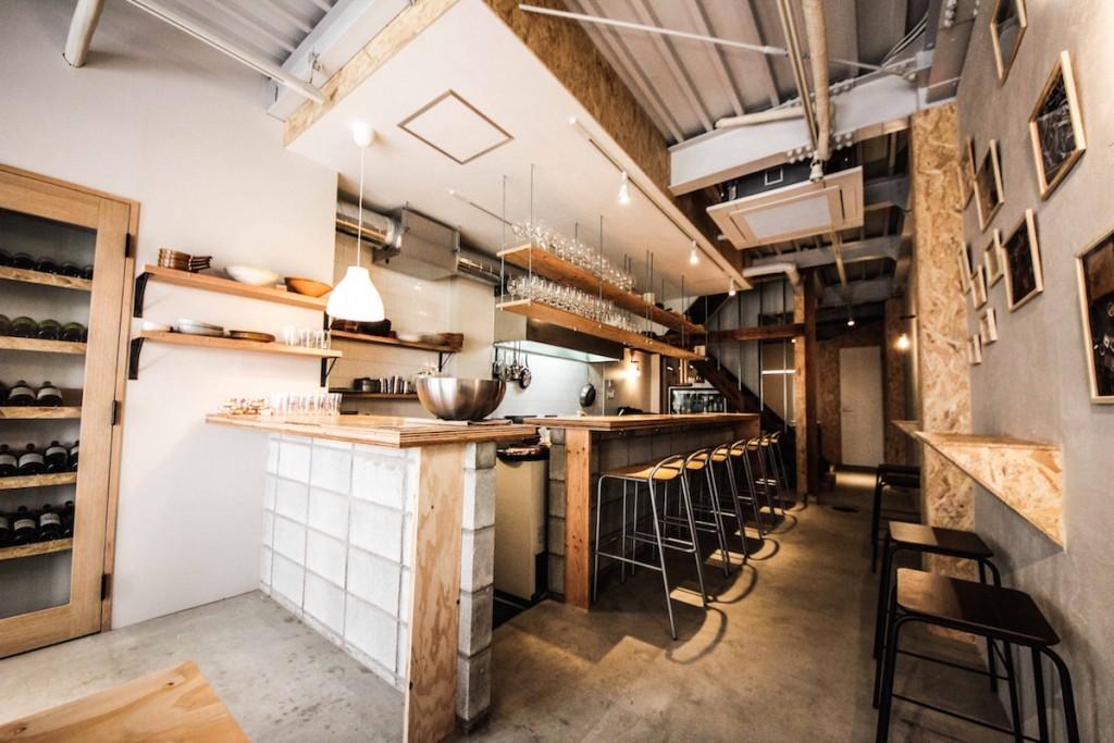 加古川ワインバルの内装デザイン