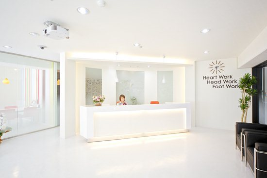 NO.s01_不動産屋店舗/内装デザイン事例
