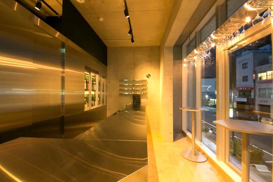 日本酒バー内装デザイン/現代SAKEの革新性を表現