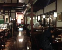 カフェ内装デザイン木調でハイグレード