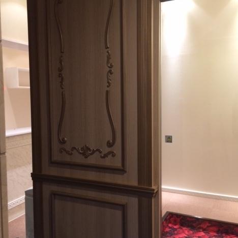 エステサロンエントランス装飾扉