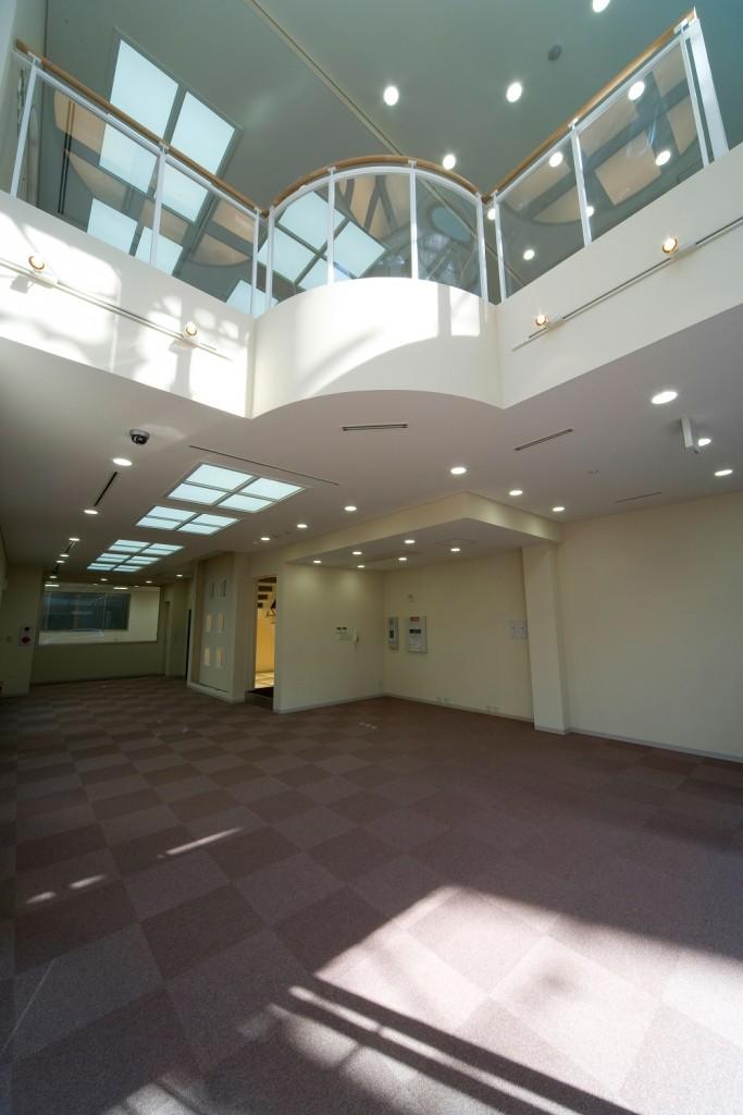エントランスホールホワイエの内装