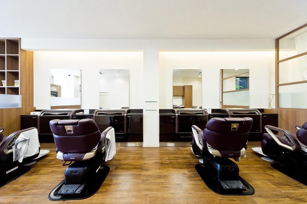 理髪店の内装デザインの工事事例
