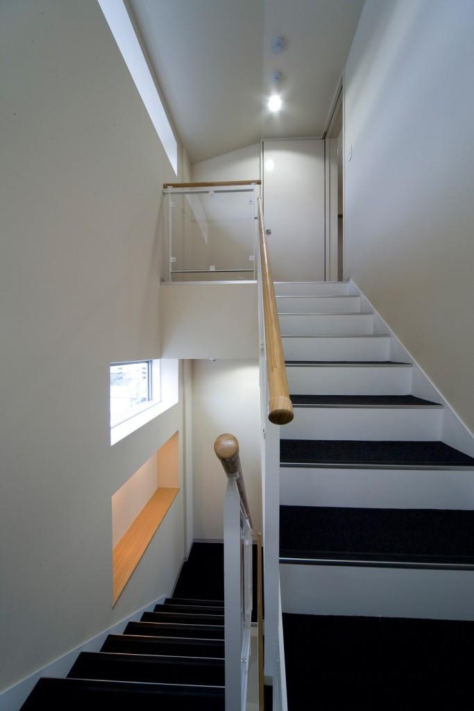 階段施工事例木の手すり