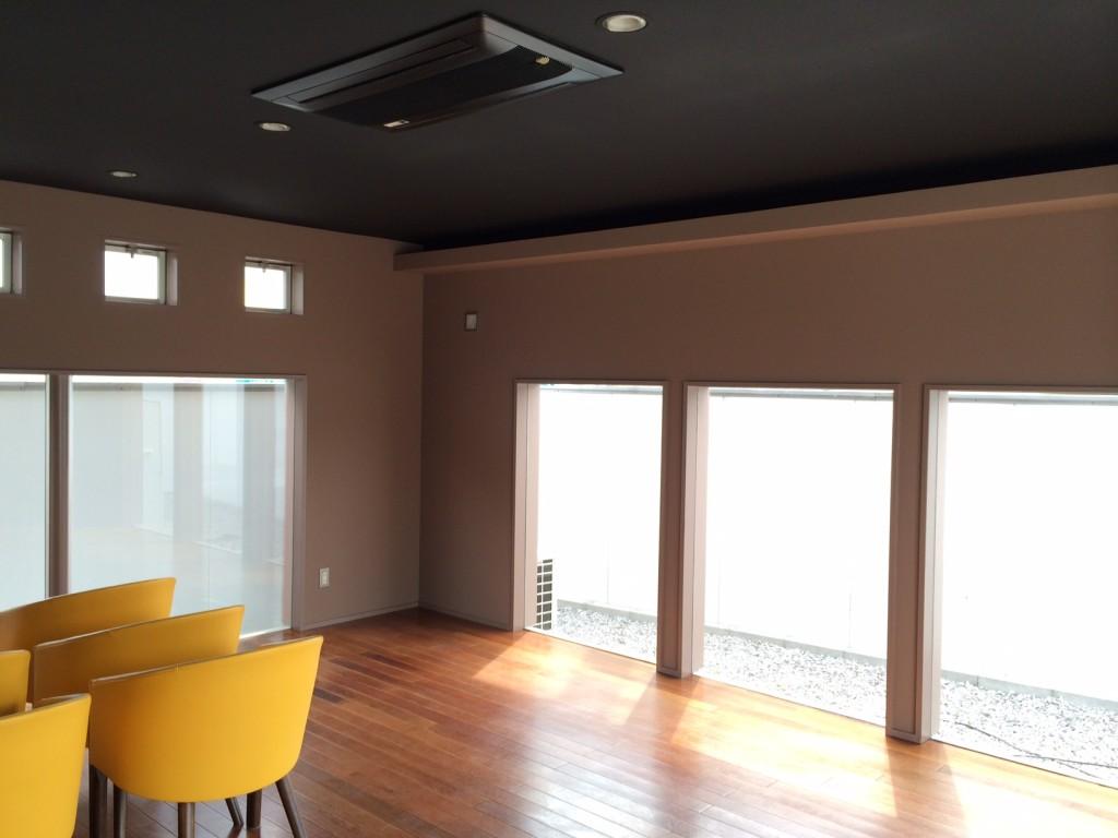 カフェ内装窓のデザイン