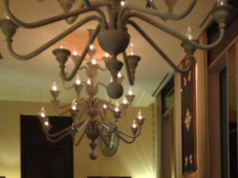 シャンデリアライトの照明計画