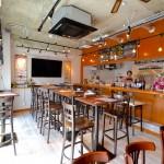 クラフトビアカフェ開放的で木の暖かさを感じ取れる内装/お客様の声