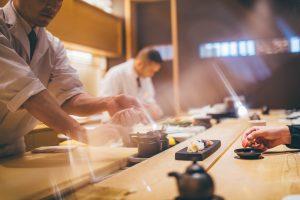 魅力的な寿司屋