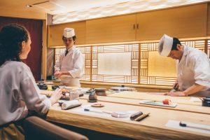 寿司屋内装