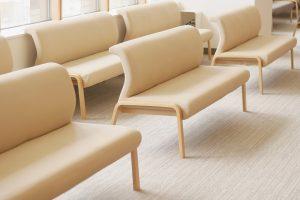 病院の椅子