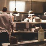厨房機器の耐用年数は何年?期間が過ぎた後の対策は?