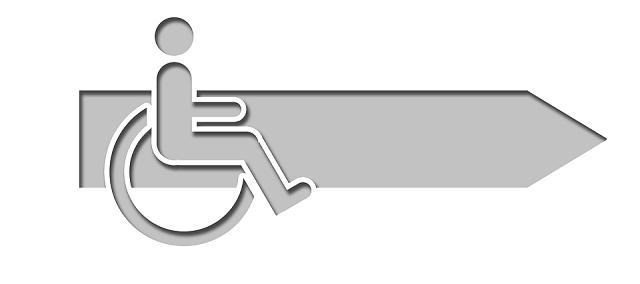 車椅子対応のカウンターも忘れずに