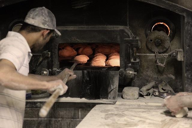 取っておくと便利なパン屋の資格